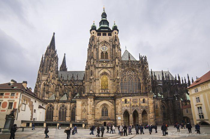 Народ Божий в подполье: случай Чехии и Словакии